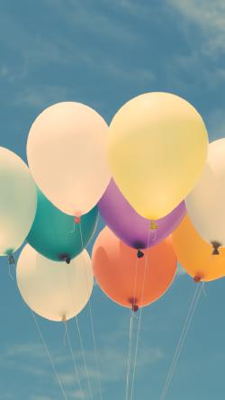 清新彩色气球壁纸